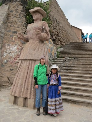 Lauren and local girl in Chivay during a brief visit for acclimatization.
