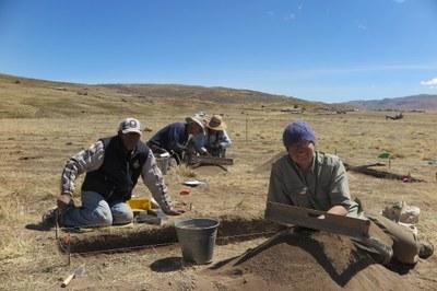 Nestor, Bill, Rocio, and Lauren excavating at Wilamaya Patjxa.